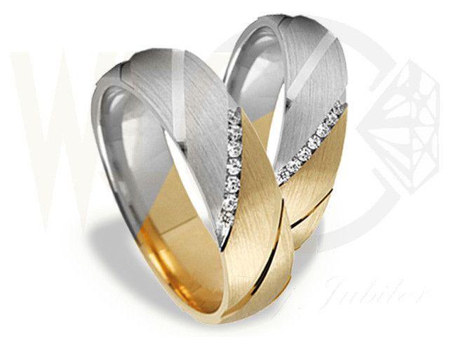 Zjawiskowe obrączki z białego i żółtego złota z kamieniami szlachetnymi /Phenomenal wedding rings made from white and yellow gold with diamonds / 3 704 PLN #jewellery #wedding #ringd #love #gold #diamonds