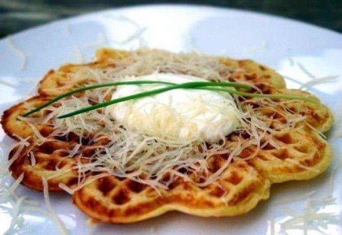 Sajtos gofri recept képpel. Hozzávalók és az elkészítés részletes leírása. A sajtos gofri elkészítési ideje: 35 perc