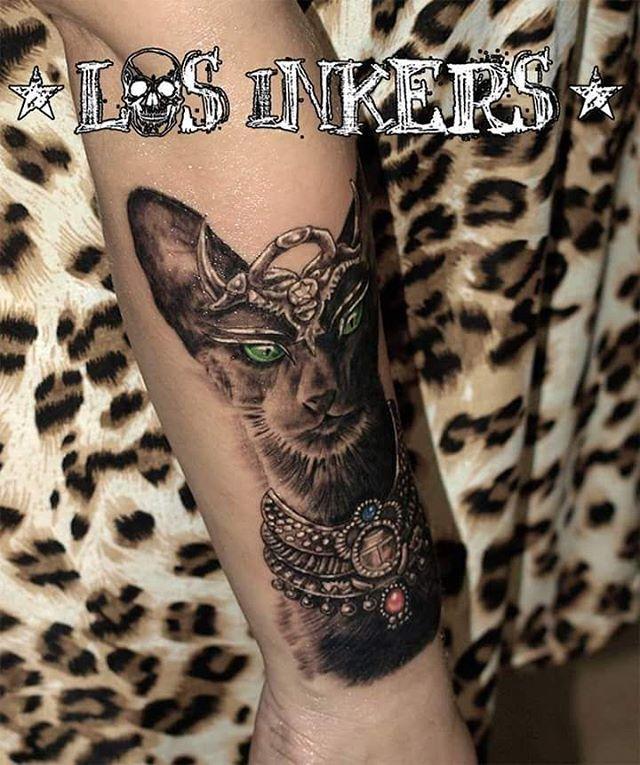 L1 Diosa egipcia Bastet diseñada y tatuada por @cristiancfernandez . . . #tatuaje #tattoo #tatuajes #tattoos #tat #tats #tattooed #gato #gata #cat #egypt #egipto #mitologia #dios #god #inkedgirls #girlswithtattoos #tattooedgirls #thebestspaintattooartists #thebestspaintattoo #tattoomalaga #malagatattoo #spaintattoo #malaga #ink #inked #inker #losinkers #teatinos…