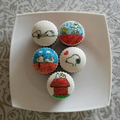 276 best SNOOPY CAKE images on Pinterest Snoopy cake Snoopy party