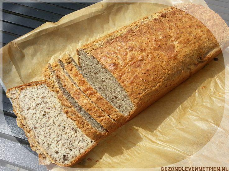 Heerlijk luchtig glutenvrij brood zonder gist. wel koolhydraten. Met hennepzaad en andere zaden en pitten. Sluit perfect aan bij de Broodbuik eetwijze. Varieer met het recept