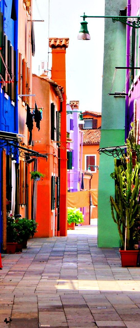 Burano, Venice, Italy such a beautiful Island. Loved the homes all different colors!