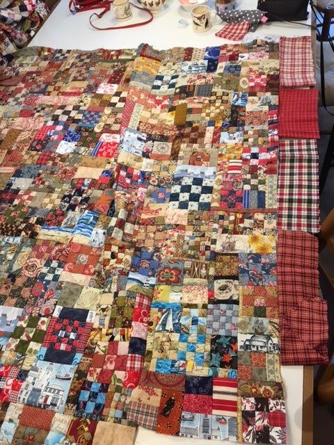 Afgelopen zaterdag hadden we de laatste 'officiële' bijeenkomst van de 'Had-je-me-maar' groep. Drie quilts zijn zo goed als af - echt ge...