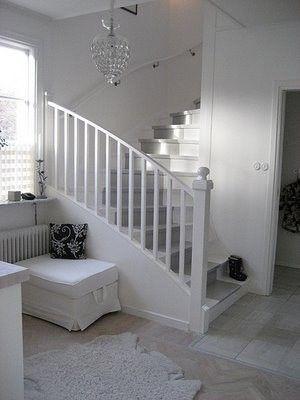 「 世界中のおしゃれな階段♪と階段周りのインテリア例67 」の画像|賃貸マンションで海外インテリア風を目指すDIY・ハンドメイドブログ<paulballe ポールボール>|Ameba (アメーバ)