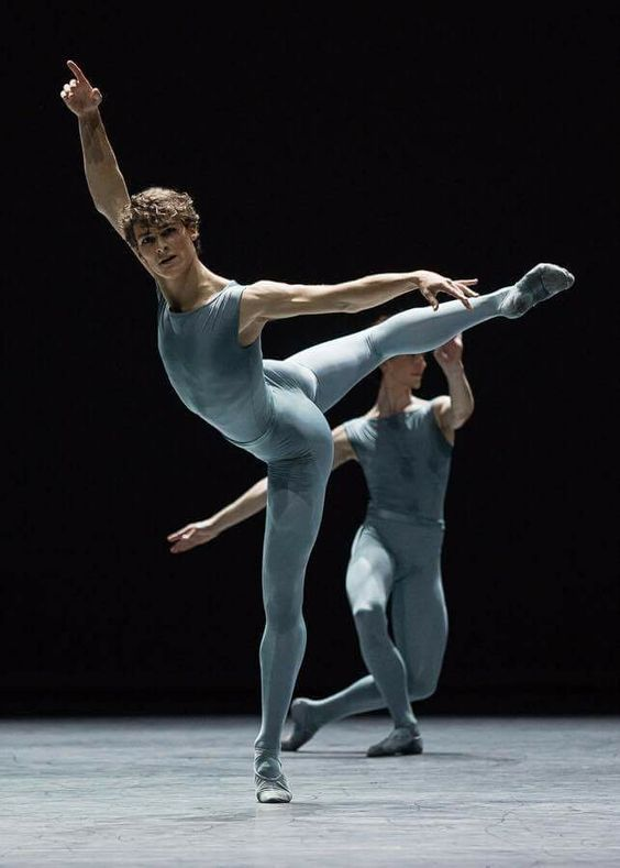 2109b0423c402 Pin by GG on Танцы | Male ballet dancers, Ballet dancers, Paris opera ballet