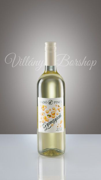 Radó Pécsi Gyöngyöző 2013  Ez a mi felfogásunk a gyöngyöző borokról: kicsit érleltebb, kicsit vastagabb pezsgő ízvilágra hajazó, élénk savakkal.