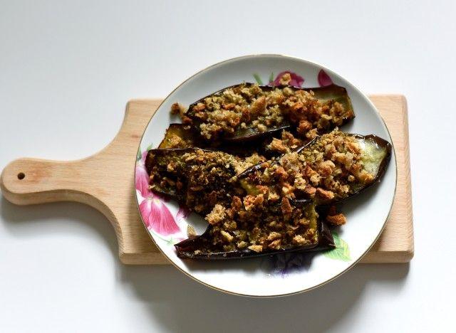 La cuisine albanaise a été fortement influencée par ses voisines: l'Italie et la Grèce. Chez nous, on l'aime aussi surtout en Provence dans la ratatouille. Pour faire un pas l'un vers l'autre, essayez cette recette à déguster devant le match et que le meilleur gagne!