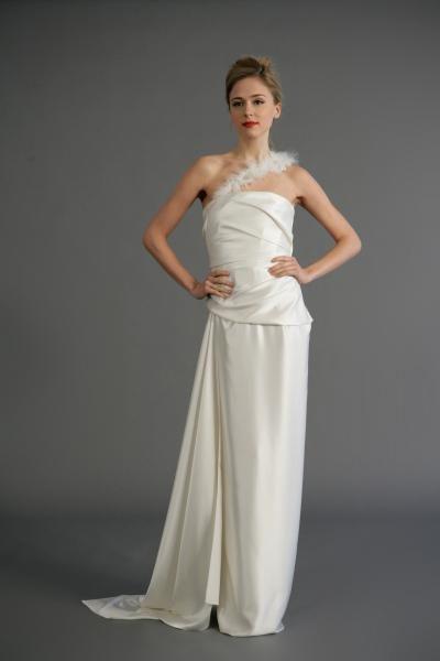 Robe de mariée simple avec une bretelle