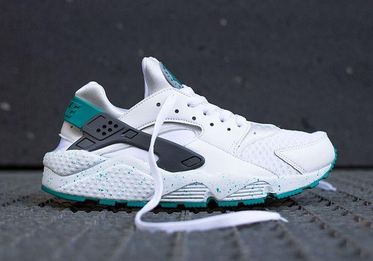"Nike Air Huarache ""Turquoise Speckle"""