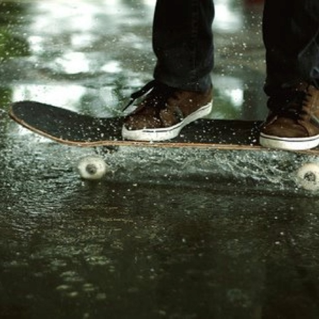 #Skateboarding    Awesome sktateboarding picture.