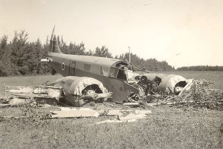 This photo of a crashed Oxford at the training base in Penhold, Alberta, taken by Australian Flight Officer Ray Morgan, can be found on the impressive website managed by the Vintage Wings of Canada.