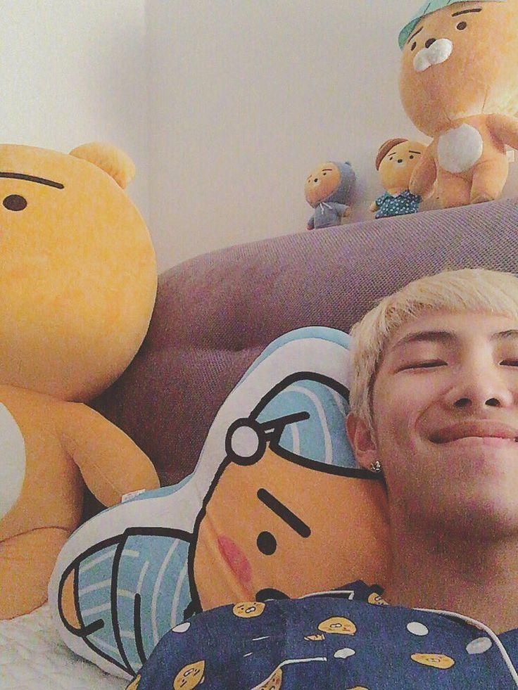 Rap Monster ❤ [Bangtan Trans Tweet] 안녕 친구들  Hello friends #BTS #방탄소년단