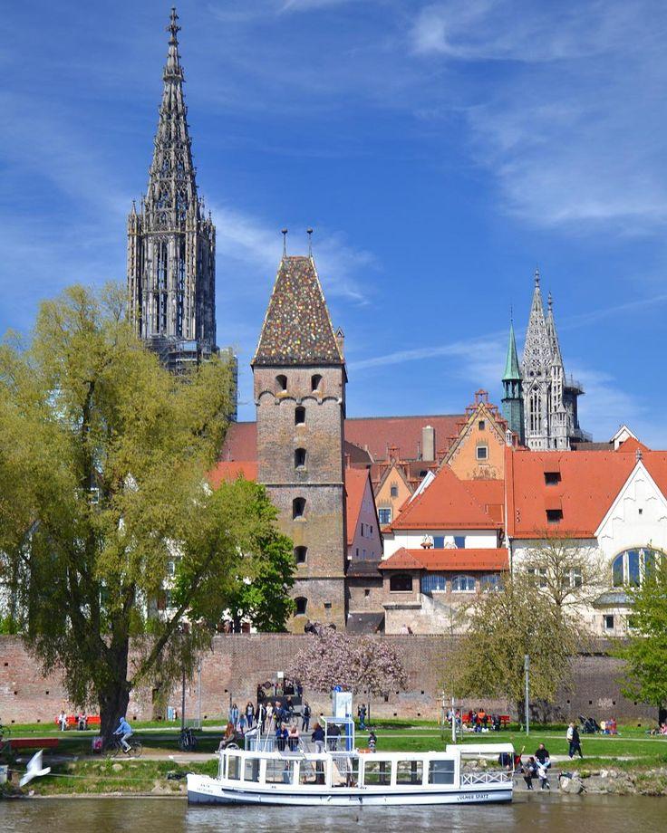 Na blogu nowy post o Ulm a w nim: Albert Einstein  rybacka dzielnica  rekordowa wieża  link w bio!  - #belekaj #godej #rajza #nowypost #podróż #podróże #podrozemaleiduze #zwiedzanie #zwiedzamy #blogtroterzy #blogpodrozniczy #ulm #germany #deutschland #niemcy #travel #bayern #bawaria #bavaria #danube #dunaj #riverside #altstadt #polishtravelblogs #onetpodroze #weekendmajowy