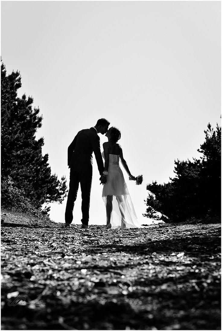 Zonsondergang op je bruiloft op Ameland. Sunset on your beachwedding! Nes Ameland