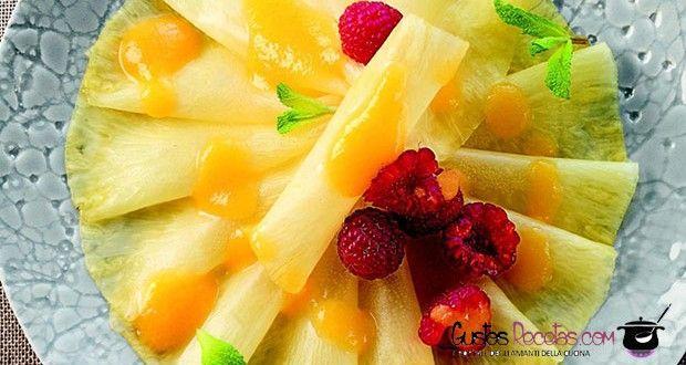 Carpaccio di ananas con salsa alla pesca senza glutine