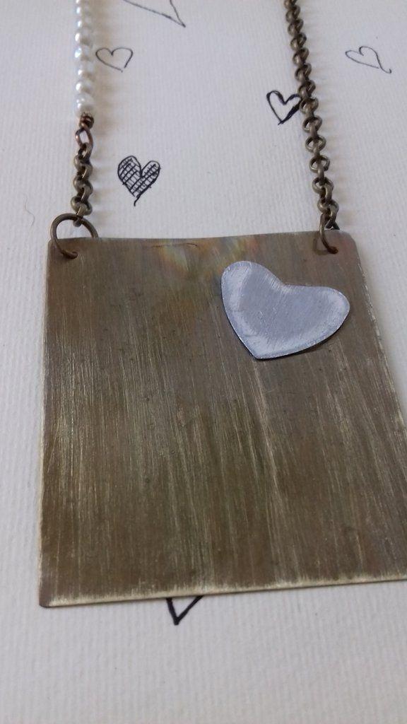 Collana in ottone e cuore in alluminio, by Lartedelriciclo, 28,00 € su misshobby.com