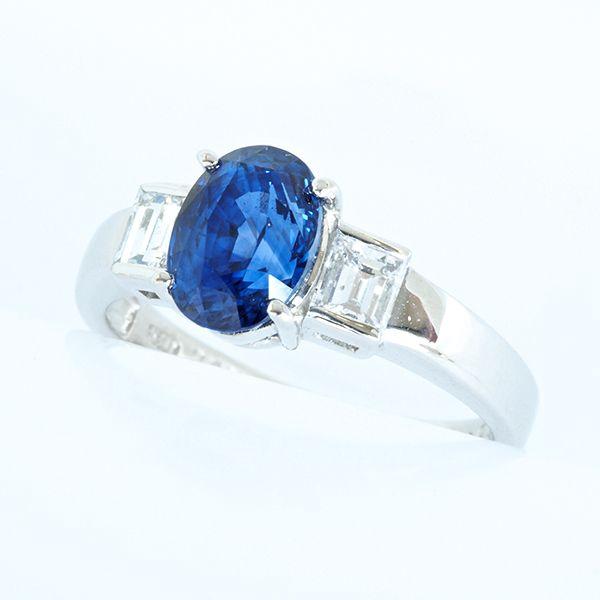 プラチナ サファイアリング キューブダイヤデザイン  サファイア:2.47ct ダイヤ:0.50ct