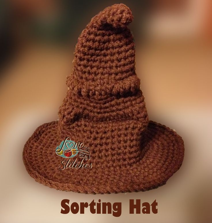 Harry Potter Sorting Hat. FREE pattern by Crafty is Cool. Jess would love this!