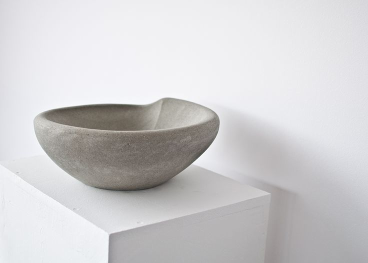 Hand made sandstone bowl no. 003 Dimentions: 33x32x12 cm, weight:10,8 kg.
