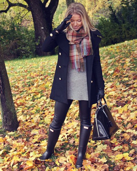 Perfect! Black boots, leggings, sweather, scarf & peacoat. That bag even resembles the Jimmy Choo tote.: