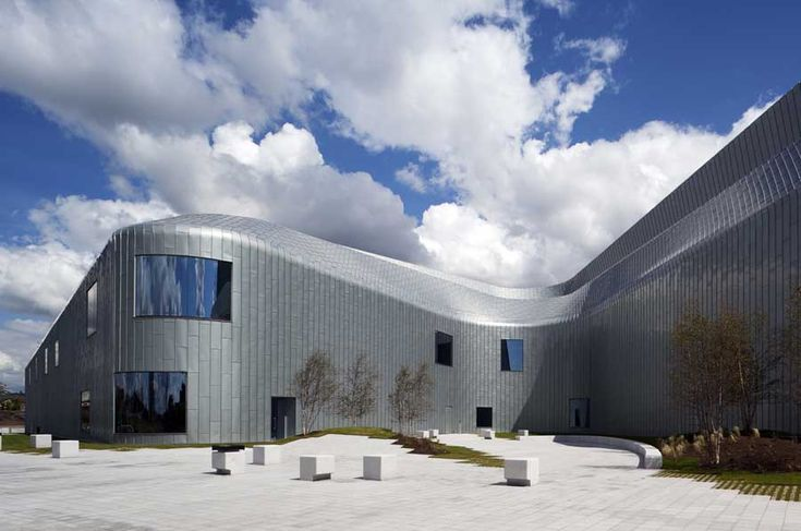 The Riverside Museum of Transport in Glasgow by Zaha Hadid Architects Homesthetics (4)