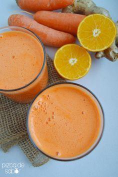 Inicia tu día con un delicioso jugo de zanahoria, naranja y jengibre demás de ser nutritivo.