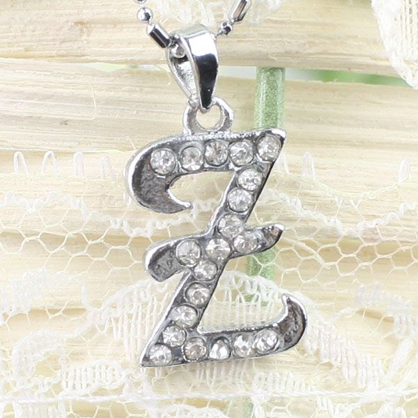 Abordable collier argent lettre strass