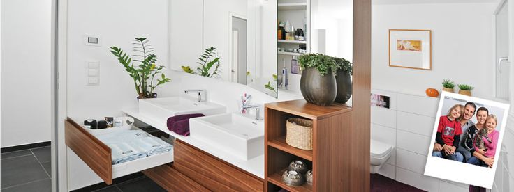 Clever fittings solutions create extra storage space in this family bathroom  – Casa Girón