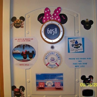 Disney cruise door magnets & 36 best Disney Doors images on Pinterest | Disney cruise/plan ... Pezcame.Com