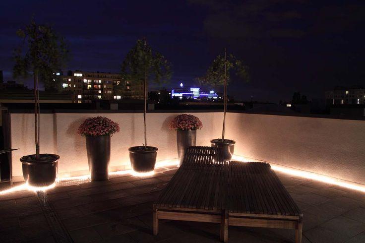 LED-valoletkulla voit toteuttaa näyttävän ja helposti muokattavan valaistuksen terassille.