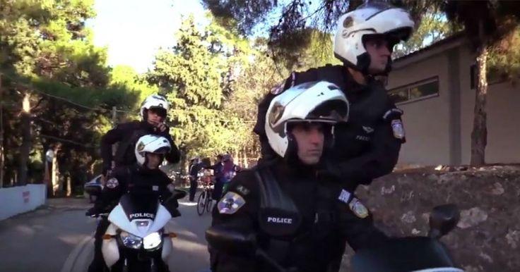 Η Ελληνική Αστυνομία κάνει Mannequin Challenge και εύχεται χρόνια πολλά και καλές γιορτές. Crazynews.gr