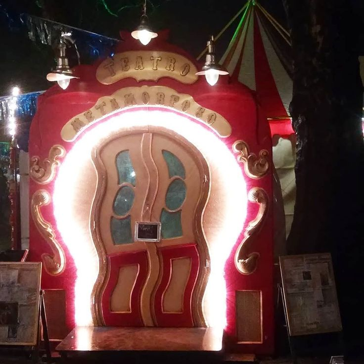The circus is into town!  (Well actually at our neighbours in The Hague). @carnivale.nl is a nostalgic eccentric freakshow/fairground/circus. We had an amazing evening. The rain could not spoil our fun!  #carnivale2017 #carni #kermis #circus #thehague #denhaag #nostalgia #surrealistic