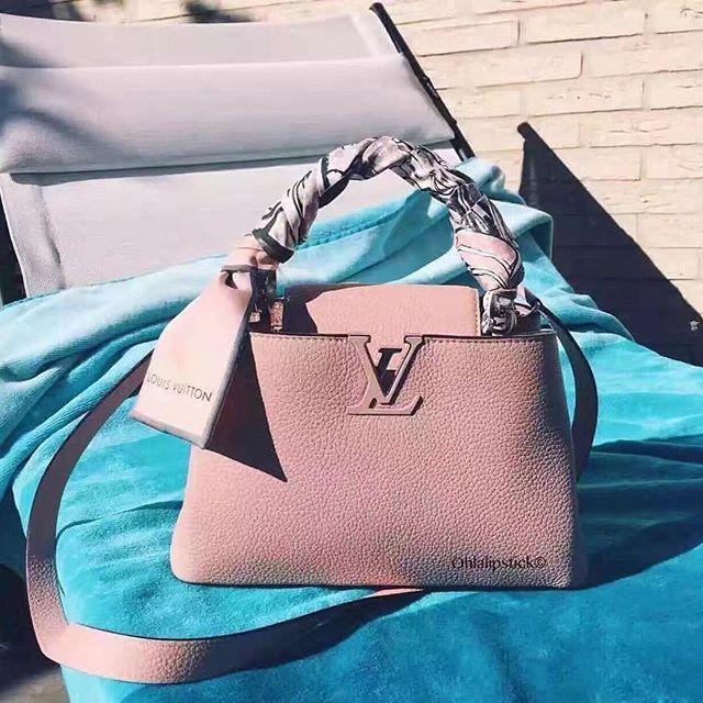 【aimee.319】さんのInstagramをピンしています。 《LINE ID: aimee.319 DMよりラインの方が早いです。 2つ以上の購入は追加割引可能。 基本付き品:1。財布 : 専用箱、専用袋、Gカード、該当ブランドのショッパー 2。バッグ : 専用袋、Gカード、該当ブランドのショッパー #chanel#シャネル#パロディ#ルブタン#dior#ルイヴィトン#夏#雨#ラブ#グッチ#サンダル#靴#スニーカー#コピー品#バーキン#エルメス#サンローラン#セリーヌ#ラゲージ#クロムハーツ#バレンシアガ#東京#j12#大阪#カルティエ#ロレックス#時計#旅行#海#フェンディgs louis vuitton》