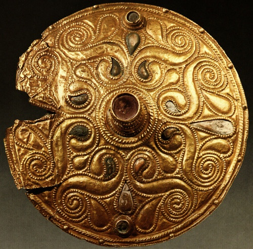 Celtic gold-plated bronze disc from Auvers-sur-Oise, Val-d'Oise, dated to early 4th century BC