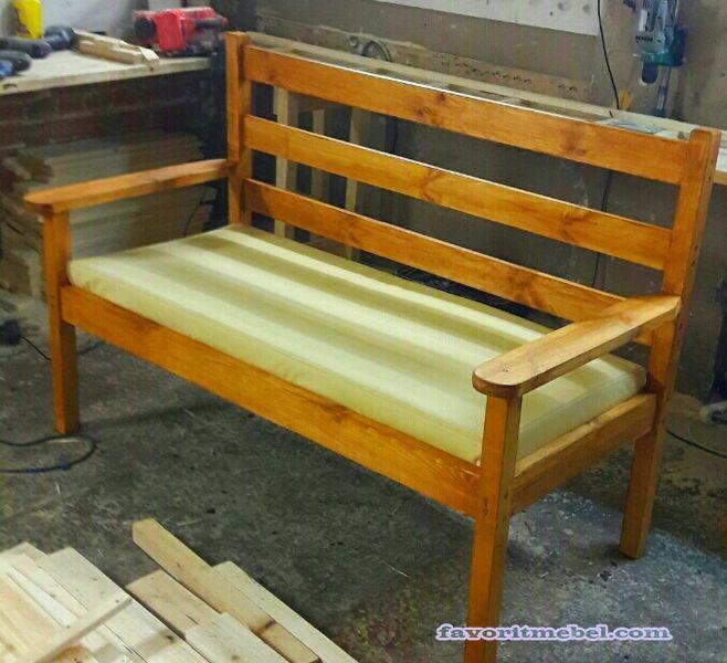 цена 7000 руб с доставкой Москва  Модель мебели: Деревянный диван, лавка, скамейка на дачу в сад, для отдыха. Выполняется как без обивки так и с обивкой.  Каркас: массив дерева(сосна),                                                                                  Ткань: экокожа, пуф 10 см ППУ  артикул:1-0221,1-0222,1-0223  Выполняется в различных размерах:  -50 (глубина)*120(длина) см - 7000 руб.  --50 (глубина)*140(длина) см - 7500 руб.  --50 (глубина)*160(длина) см - 8000 руб.  Доставка…