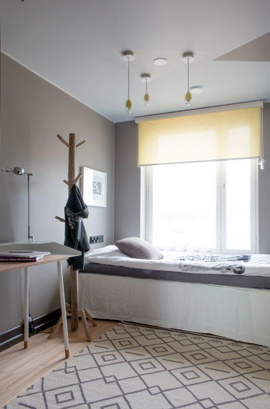Tytön huone piristyy Luxaflexin keltaisella vekkikaihtimella. #yitasuntomessut #yitviherperhe #asuntomessut #asuntomessut2014
