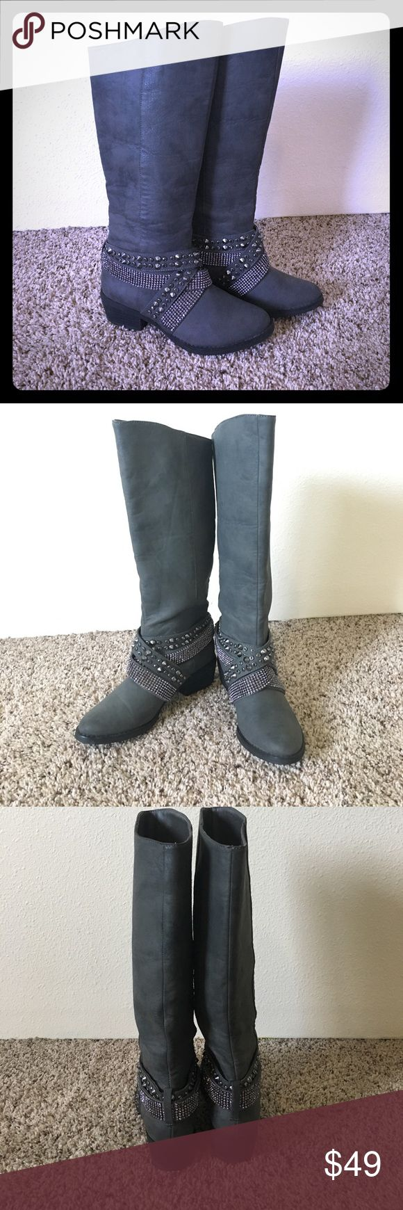 """Not Rated boots These super stylish, like new gray Not Rated boots are perfect for back to school. Only wore a couple times. These cute boots would be the perfect addition to anyone's wardrobe just in time for fall🍁 Shaft is 15"""" high and 14 1/2"""" wide. Not Rated Shoes"""