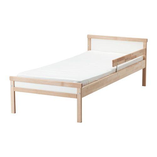 SNIGLAR Cadre lit+sommier lattes IKEA Bois massif, un matériau naturel et solide. Sommier à lattes pour une bonne circulation de l'air.