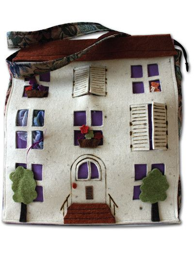 Doll's House - #dollhouse #bambola #doll #toy #play #bag #borsa #felt
