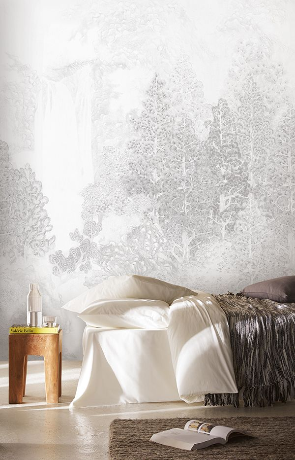 Winter Wallpaper for a Cozy Home. Christmas Wallcovering. Misuto. Khroma. Wirz Tapeten AG