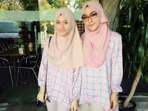 Intan Kusuma Bersama Adiknya Kembangkan Usaha Bisnis Hijab Di Usia Muda