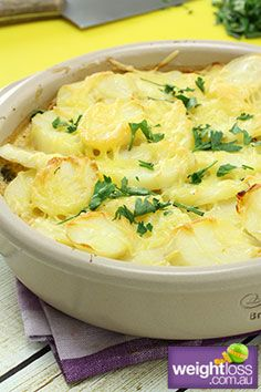 Healthy Dinner Recipes: Quick Creamy Chicken & Broccoli Bake. #HealthyRecipes #DietRecipes #WeightlossRecipes weightloss.com.au