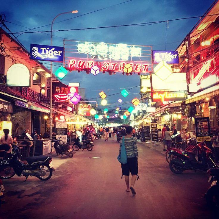 Llevamos un día en Siem Reap... la verdad es que creo que se necesita bastantes para conocerlo bien y disfrutarlo mucho! Buena sorpresa este lugar y aún no hemos visitado los templos de Ankgor... que bueno es viajar!!! ..... #travelling #viajes #cuidemoselplaneta #vivirtrabajarviajar #cambodia #asia #sea #siemreap