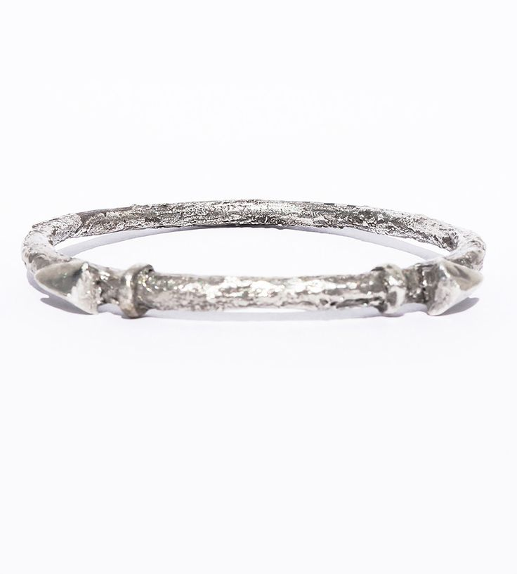 Double arrow bangle