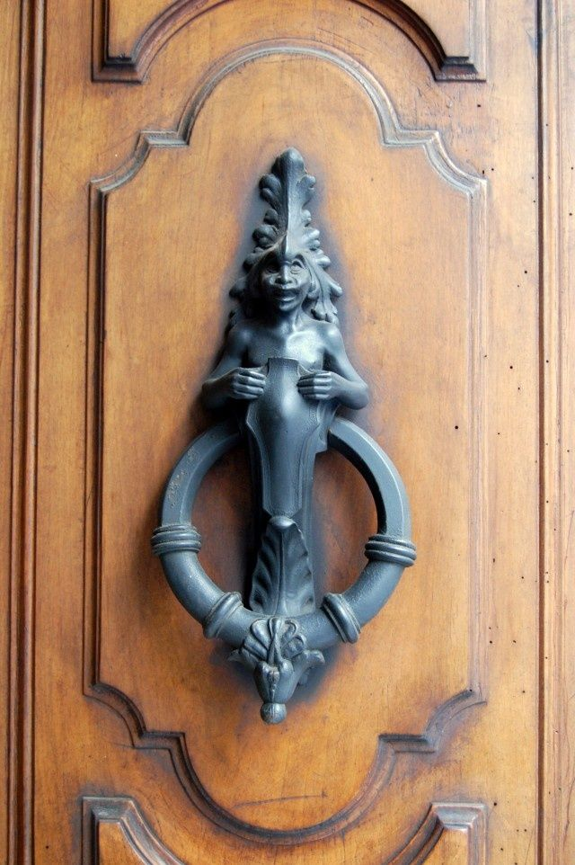1000 images about doors knockers and knobs on pinterest door handles portal and church - Cool door knocker ...