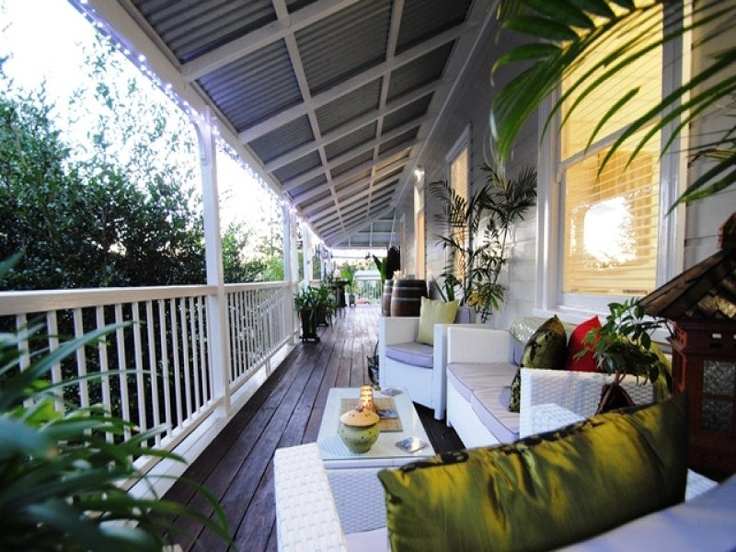 the queenslander house verandah.