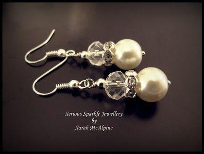 Elegant VIntage Style Drop Earrings   Felt