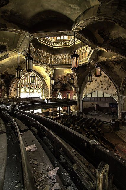 This church in Detroit. | 17 Abandoned Places That Will Give You Chills….Sorry. Does anyone else find this gorgeous? I DO, such a waste!!!