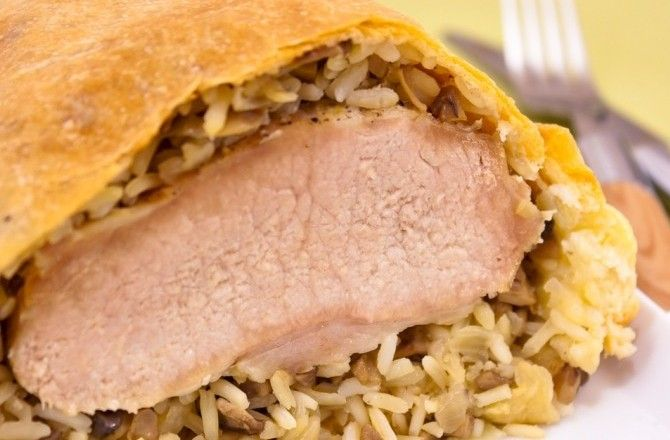 Рецепт-Мясо, запеченное в слоеном тесте с грибами и рисом   Мясные блюда