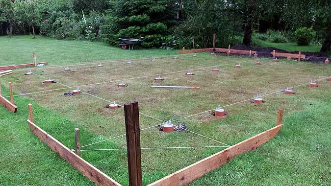 Das Fundament fürs Gartenhaus